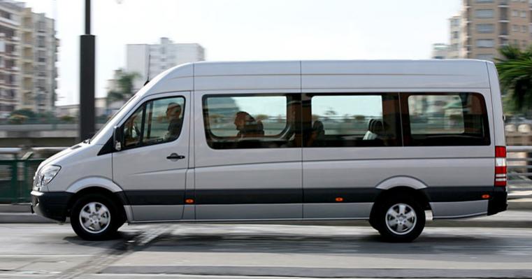 Minibus 16 places complet